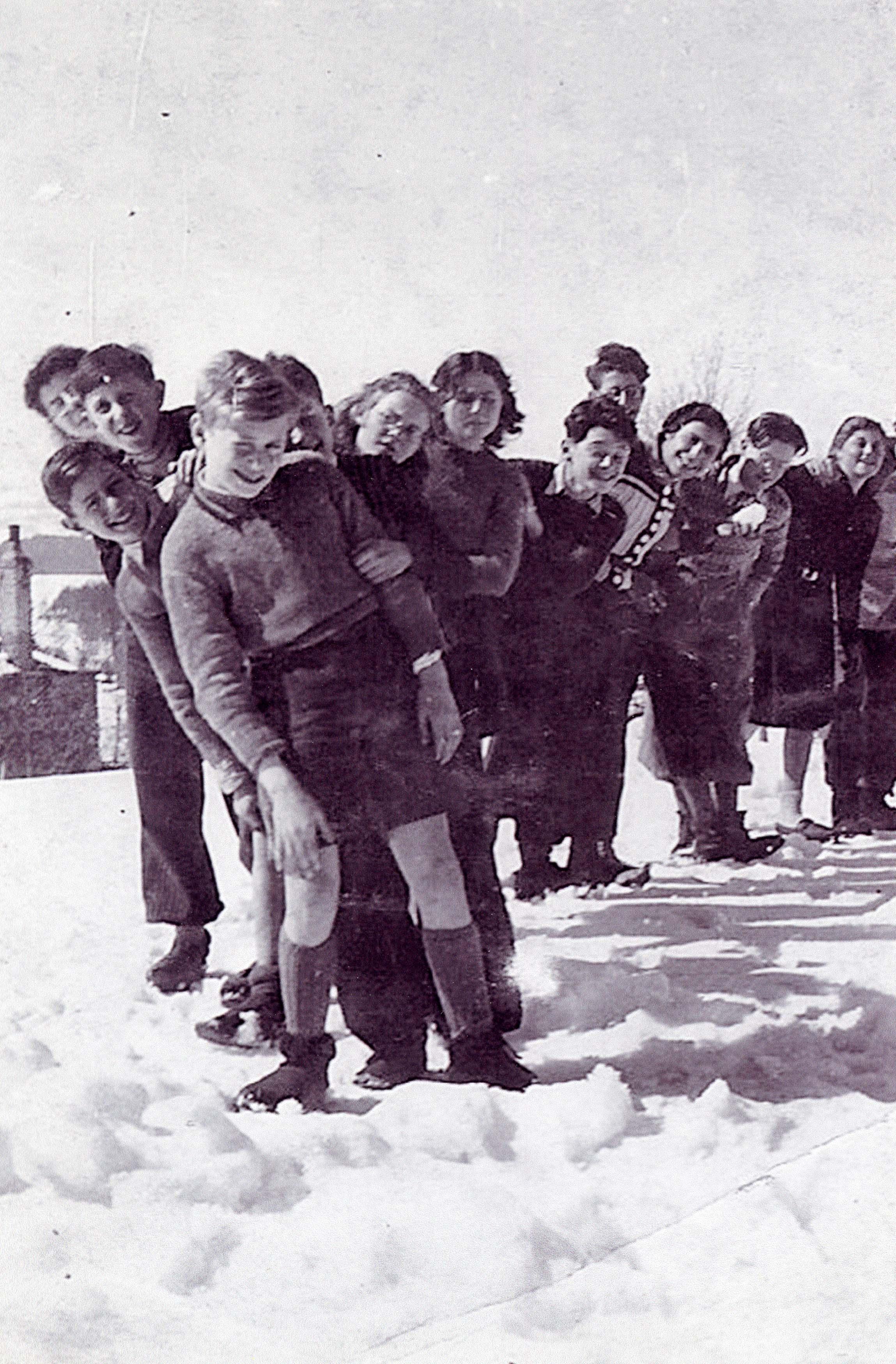 La Guespy children in the Winter